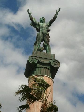 Estatua Puerto Banús